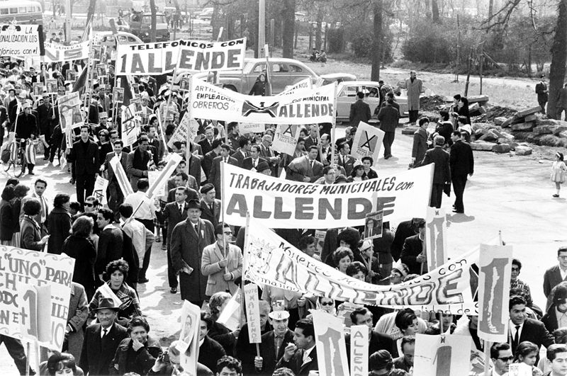Allende supporters marching in order to support his election.